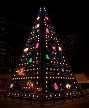 pac-man-christmas-tree1